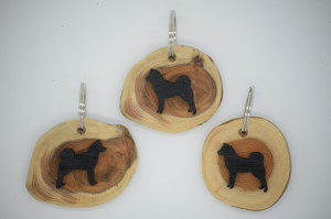 Finnish Spitz Key Ring (yew wood) by Magic Thistle Crafts –  £6.00