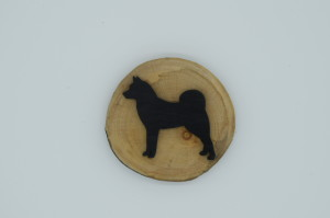 Finnish Spitz Round Fridge Magnet (yew wood) by Magic Thistle Crafts –  £5.00